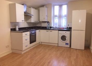 3 bed flat to rent in Thorold Road, Ilford IG1