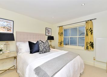 Thumbnail 3 bedroom flat for sale in Queens Gate Mews, South Kensington, London