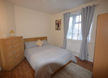Thumbnail Room to rent in Calvert House, White City