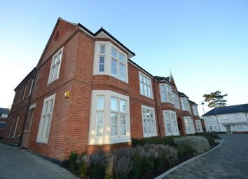 2 bed flat for sale in Wood Street, Chelmsford, Essex CM2