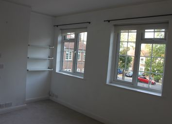 Thumbnail 2 bed flat to rent in Arnos Grove, London