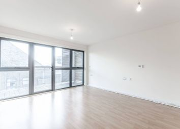 Thumbnail 3 bedroom flat for sale in Leven Road, Canary Wharf