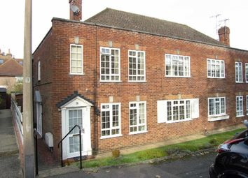Thumbnail 2 bed flat for sale in Hollygrove, Bushey