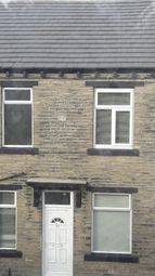Thumbnail 1 bed terraced house to rent in Derby Street, Bradford