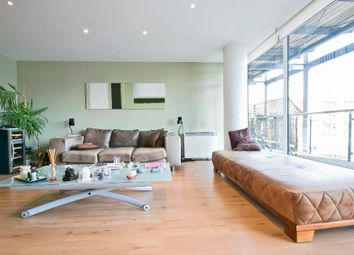 Thumbnail 3 bedroom flat to rent in Berglen Court, Canary Wharf