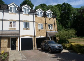 4 bed town house for sale in Badgers Rise, Woodley, Reading RG5
