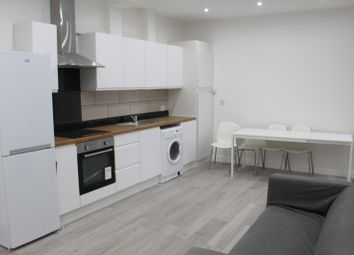 Thumbnail 2 bed flat to rent in Westcliff-On-Sea