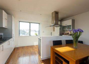 2 bed flat to rent in Acton Street, Kings Cross, London WC1X