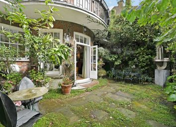 Thumbnail 4 bed flat for sale in Lees Place, London