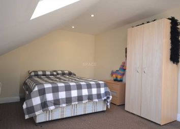 Thumbnail Room to rent in Basingstoke Road, Reading, Berkshire, 0Et.