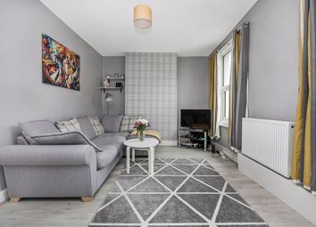 Naylor Road, London SE15. 1 bed flat for sale