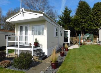 Thumbnail 1 bedroom mobile/park home for sale in Rose Park, Row Town, Addlestone