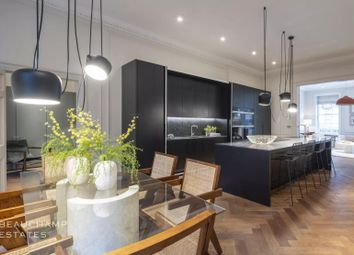 Thumbnail 4 bed flat for sale in Devonshire Place, Marylebone