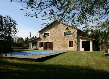 Thumbnail 4 bed property for sale in Poitou-Charentes, Vienne, Romagne