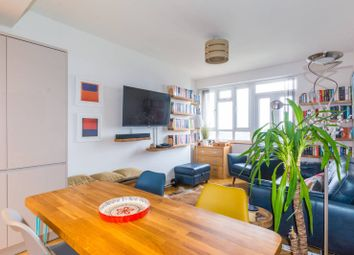 Gravenel Gardens, Tooting, London SW17. 2 bed flat for sale