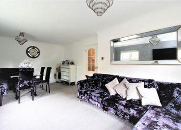 Gilbert Road, Gidea Park, Romford RM1. 2 bed flat