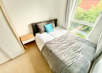 Thumbnail Room to rent in Regular Double, Park Central