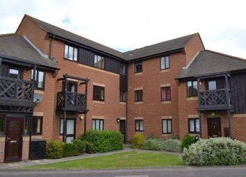 Thumbnail 2 bed flat to rent in Roebuck Court, Didcot