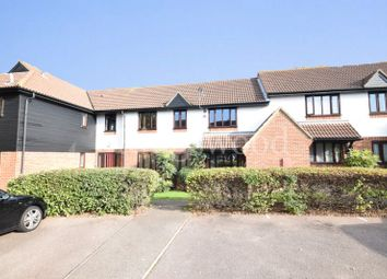 2 bed flat to rent in Copperfields, Basildon SS15