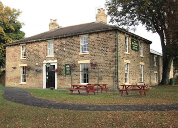 Thumbnail Pub/bar for sale in Pub Surrounded By Modern Estate, Durham DL14, Henknowle, Durham