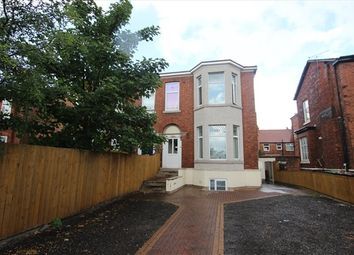 2 bed flat to rent in Derby Road, Southport PR9