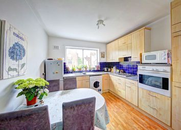 3 bed maisonette to rent in Stephendale Road, London SW6