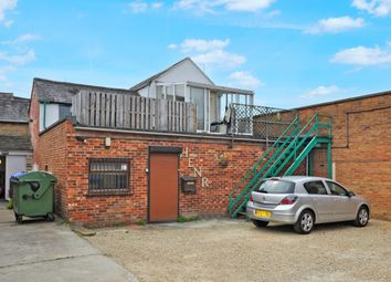 1 bed property to rent in First Floor Flat, Bicester OX26