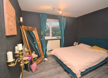 Thumbnail Flat for sale in Lamport Close, London