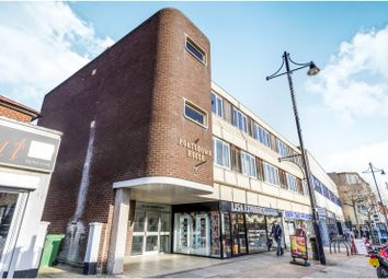 Thumbnail 2 bed flat to rent in West Street, Fareham