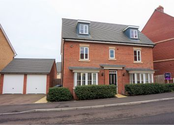 Thumbnail 5 bed detached house for sale in Summers Hill Drive, Papworth Everard, Cambridge
