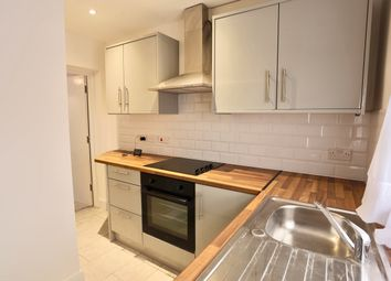 Thumbnail 3 bed flat to rent in Ledgers Road, Slough