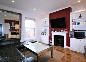 Thumbnail 3 bed flat to rent in Lavender Hill, Clapham