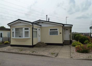 Thumbnail 2 bed mobile/park home for sale in Mill Farm Park, Bulkington, Bedworth