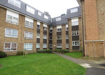 Thumbnail 2 bed flat to rent in Lampits, Hoddesdon