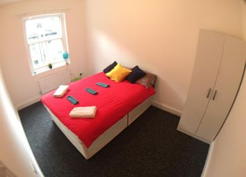 Thumbnail 7 bed shared accommodation to rent in Newark Street, London