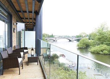 Thumbnail 2 bed flat for sale in Flat 29, 41 - 42 Kew Bridge Road, London
