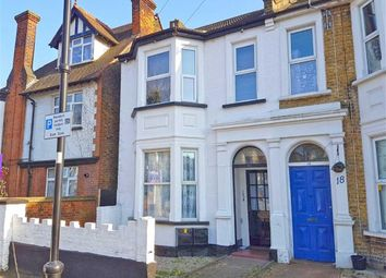 Thumbnail 2 bedroom flat for sale in Kilworth Avenue, Southend On Sea, Essex