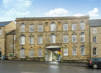 Thumbnail 2 bed flat for sale in Kings Head Court, Chipping Norton