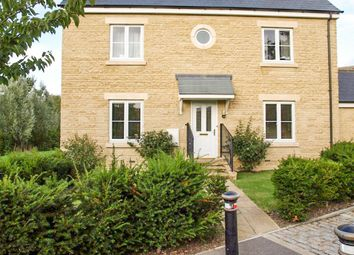 Thumbnail 2 bed flat to rent in Northfield Road, Witney
