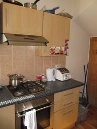 2 bed property to rent in Harold Mount, Hyde Park, Leeds LS6