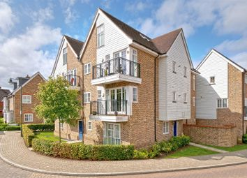Thumbnail 2 bed flat to rent in Queen Street, Kings Hill