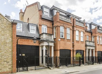 Thumbnail 2 bed mews house to rent in Broomhouse Road, London