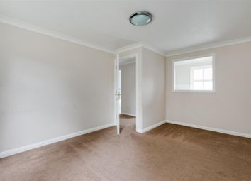 Alfred Close, Chiswick, London W4. 1 bed flat