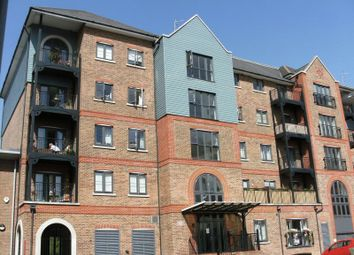 Thumbnail 2 bedroom flat to rent in Medway Wharf Road, Tonbridge