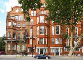 Thumbnail 5 bed flat to rent in Chelsea Embankment, London