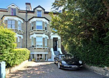 King Charles Road, Berrylands, Surbiton KT5. 2 bed maisonette