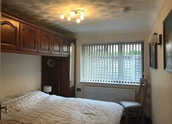 Thumbnail Room to rent in Nine Mile Ride, Finchampstead, Wokingham