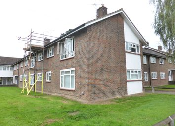 2 bed maisonette to rent in Gainsborough Road, Crawley RH10