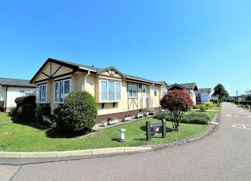 Grosvenor Avenue, Kings Langley, Hertfordshire WD4. 2 bed mobile/park home