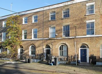 Thumbnail 4 bed flat to rent in London Fields East Side, London